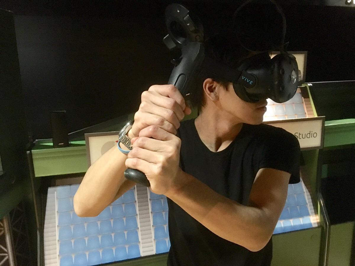 VRゲーム用バット型コントローラー          アドアーズ株式会社様